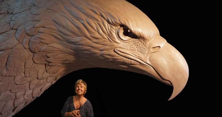 eagle-monument-with-heather-768x407
